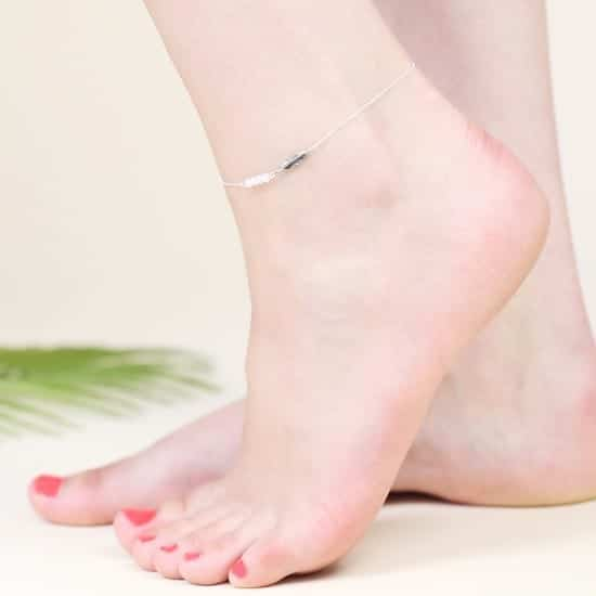 lisa angel sterling silver feather anklet O21A9724 550x550 1